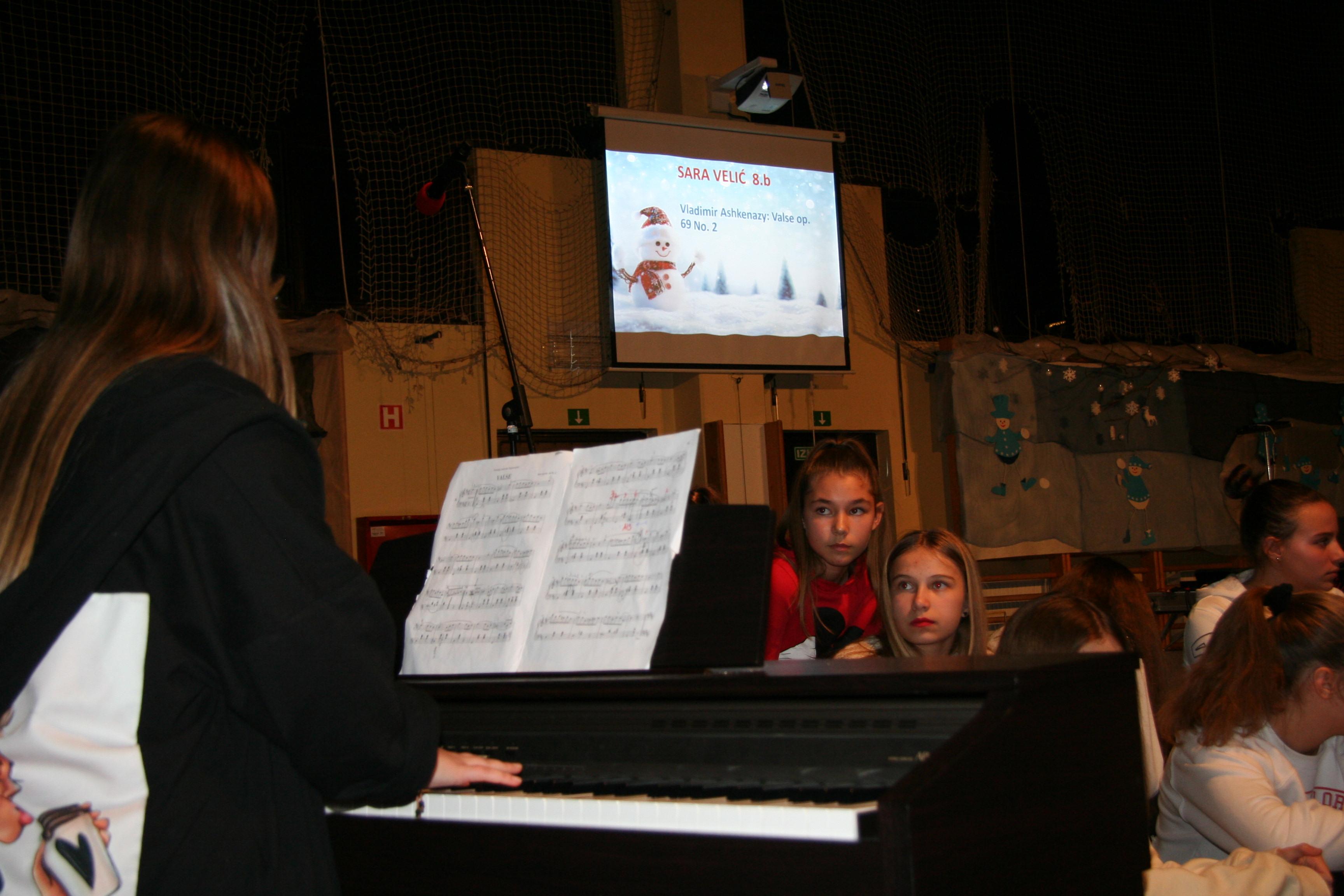 novoletno_humanitarni-koncert-2019-143