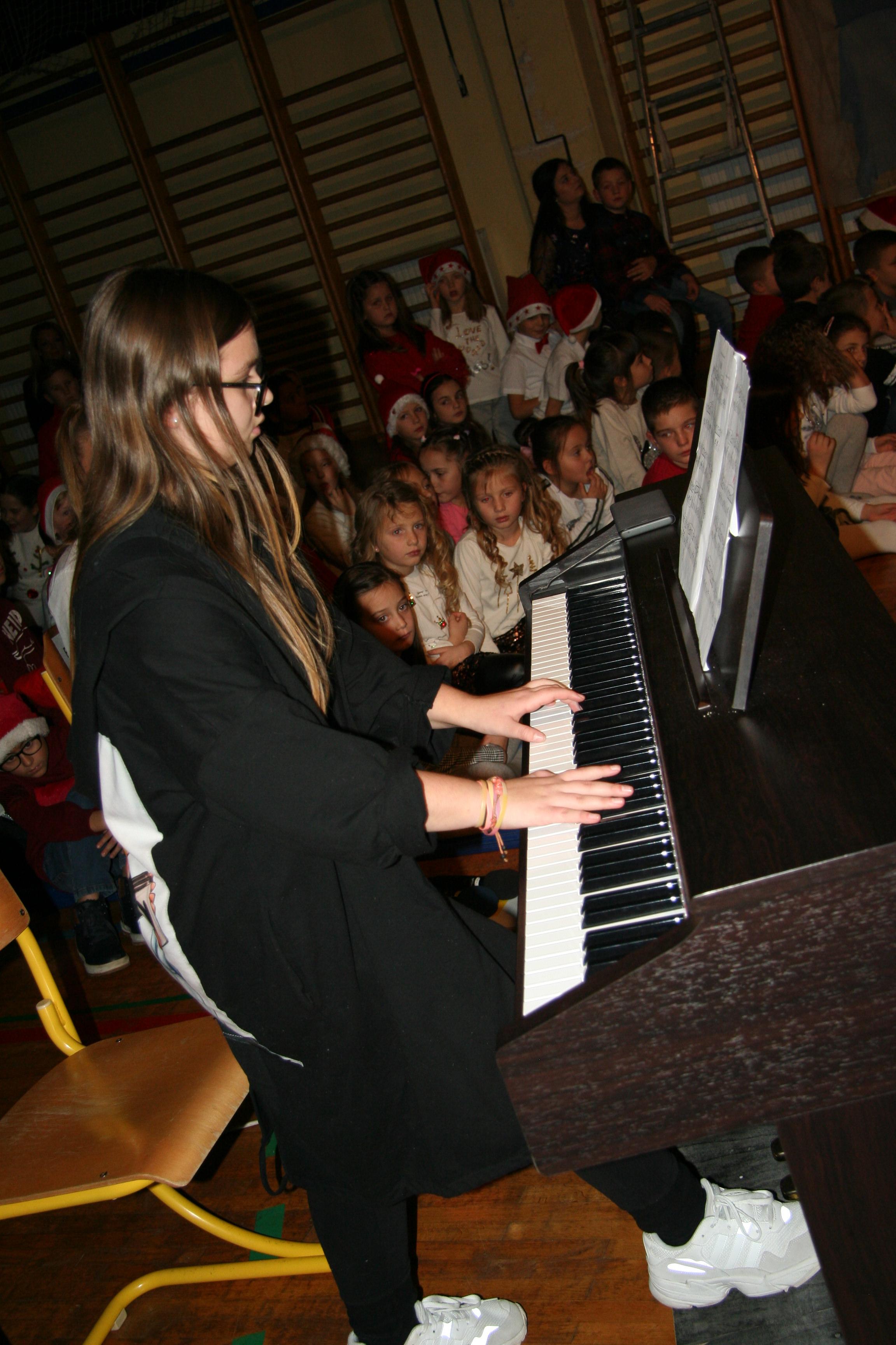 novoletno_humanitarni-koncert-2019-141